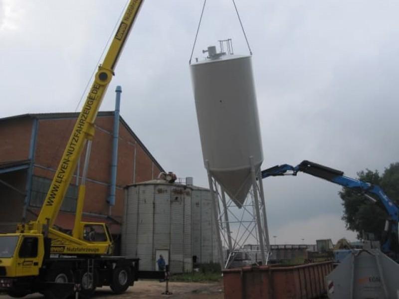 Oplevering silo met transportschroef (18 meter)